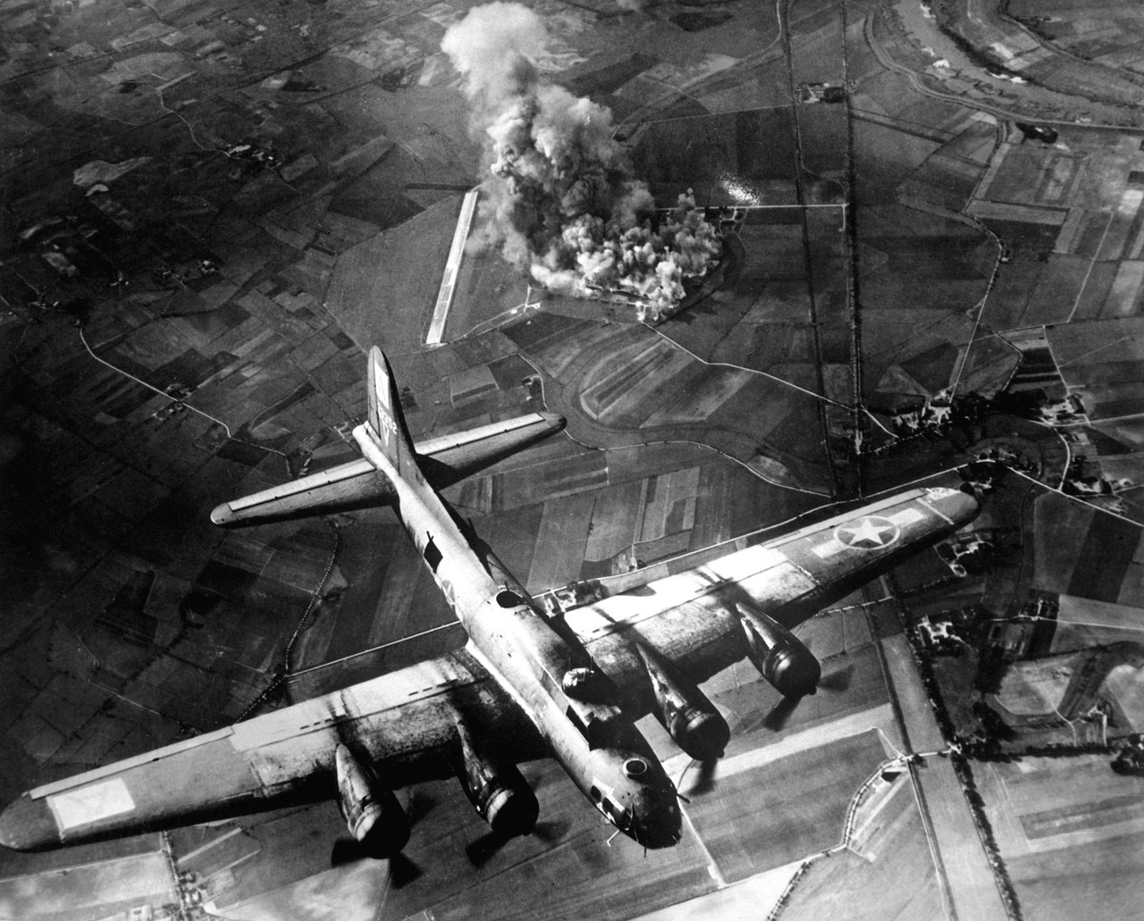 Bombing of a factory at Marienburg, Germany, on 9 October 1943 (Credit: US Air Force, Public Domain)