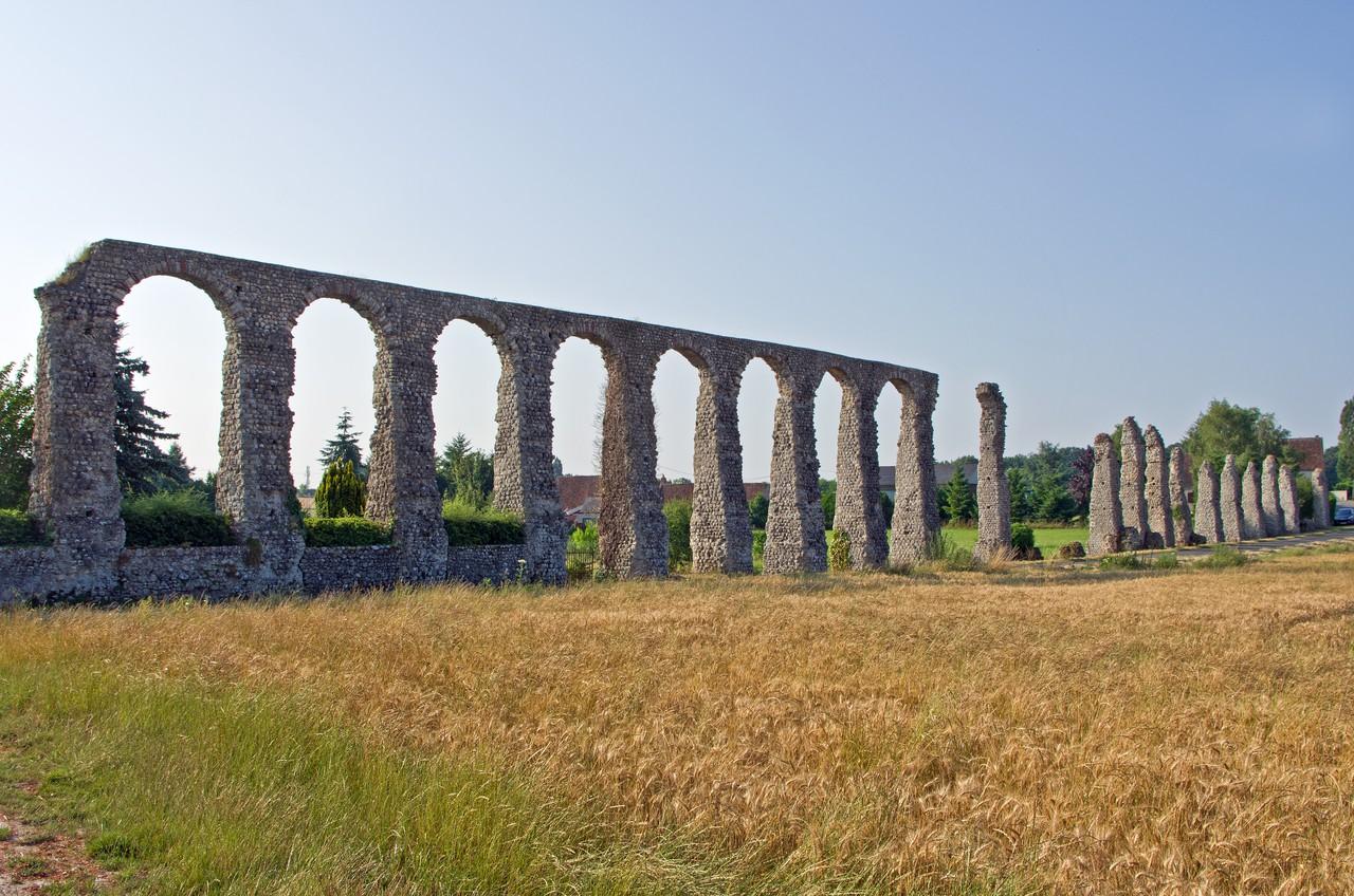 Roman aqueduct of Luynes (Credit: Daniel Jolivet)
