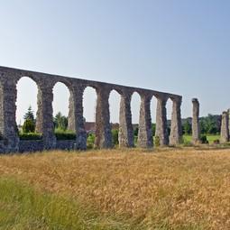 Roman aqueduct of Luynes