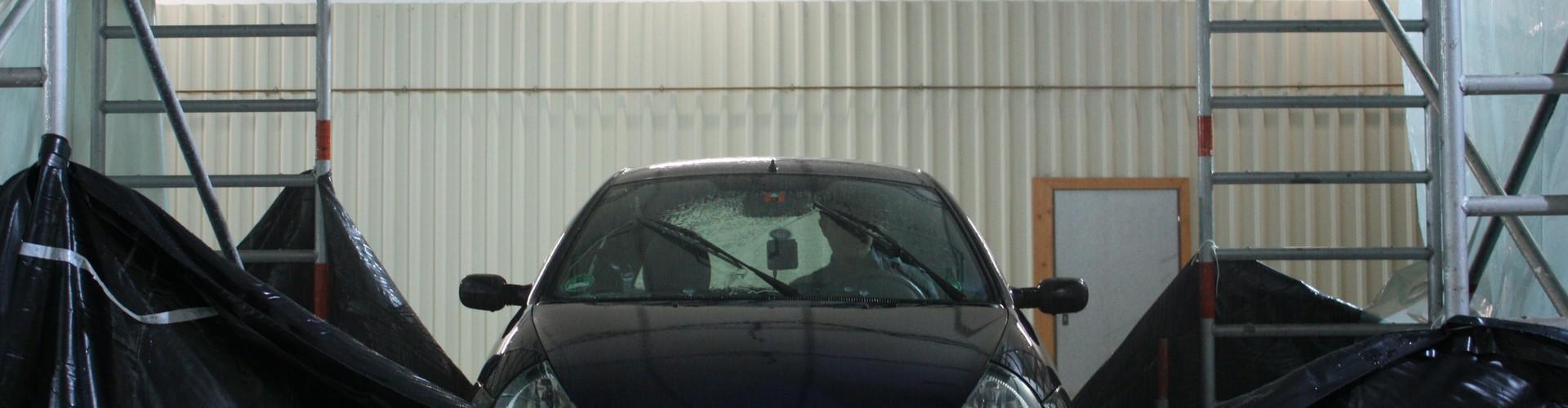 A car tested under a rain simulator (Credit: www.ikg.uni-hannover.de, Daniel Fitzner)