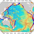 Red marks the hotspots: strong earthquakes occur more often where cracks on the seafloor overlap subduction zones (in blue).