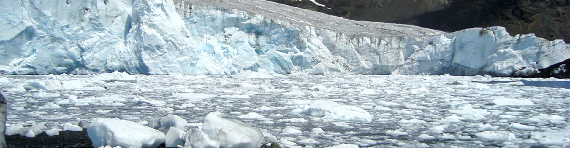 Many glaciers around the world, like the Pastoruri Glacier in Peru (pictured), are retreating due to climate change. (Credit: Edubucher/Wikimedia Commons)