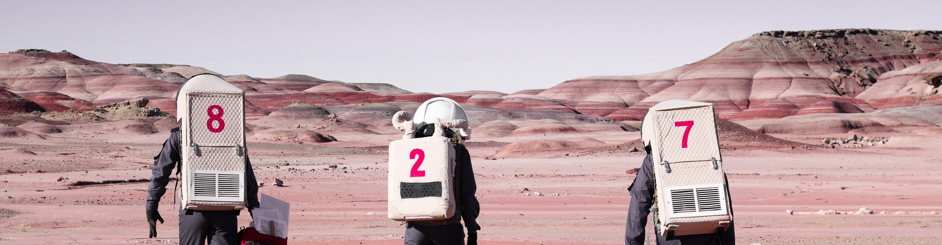 Getting ready for geological sample collection at MDRS 4250300N518300E-11-02-2019 (Credit: Maria Grulich (distributed via imaggeo.egu.eu))
