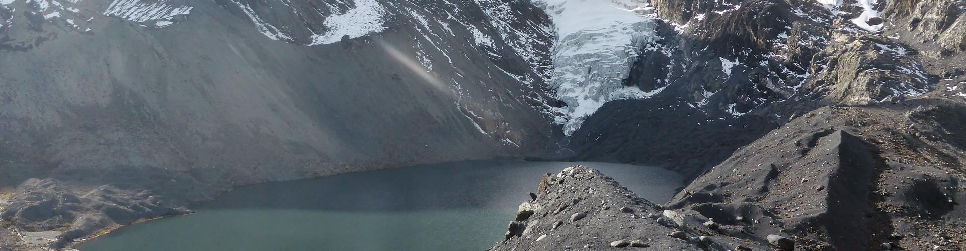 Glacier and glacier lake in the Bolivian Andes (Credit: Simon Cook)