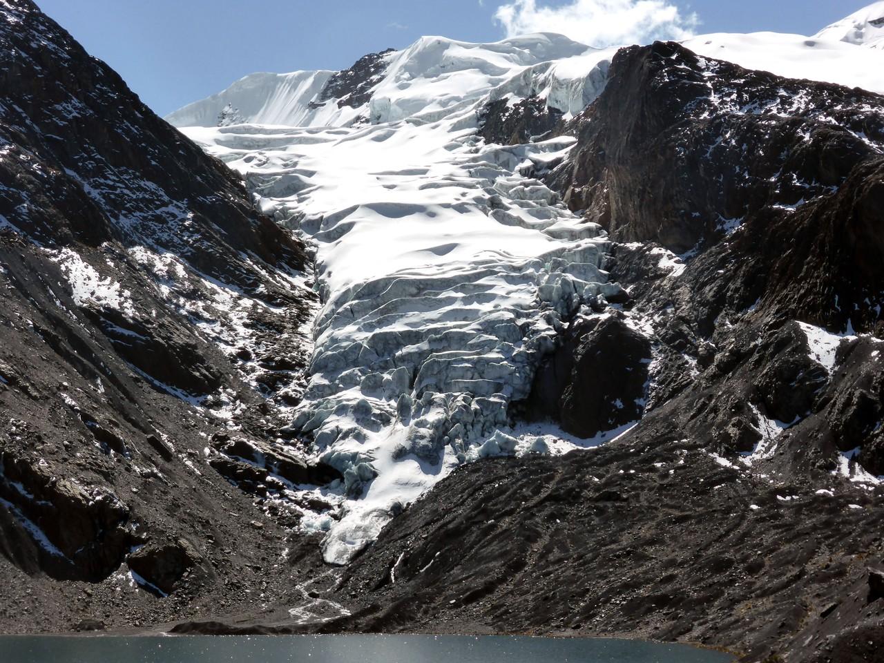 Receding glacier in the Bolivian Andes (2) (Credit: Simon Cook)