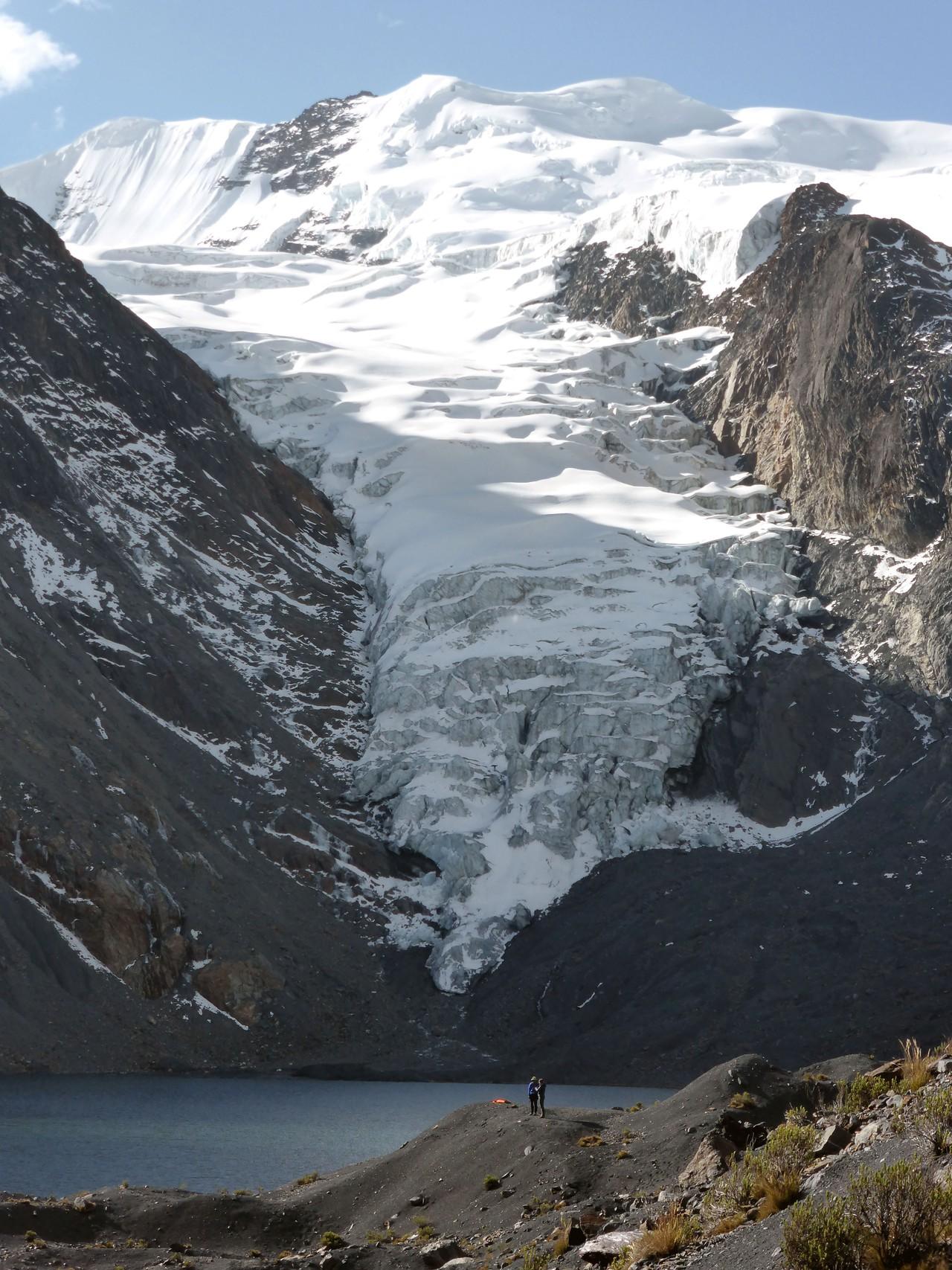 Glacier and glacier lake in the Bolivian Andes (3) (Credit: Simon Cook)