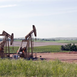 Preventing shale-gas leaks and ending gas flaring during oil extraction would curb emissions of methane and black carbon.