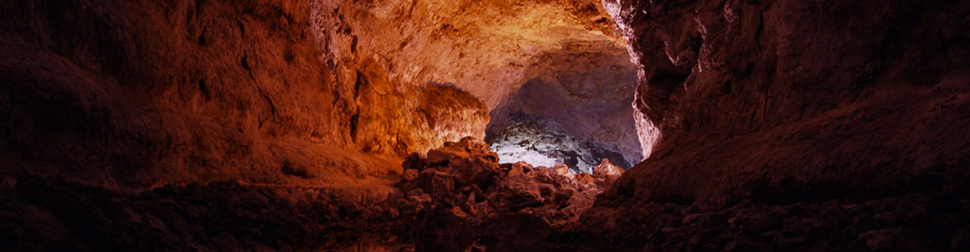 Cueva de los Verdes (Credit: Marta Umbert Ceresuela, distributed via imaggeo.egu.eu)