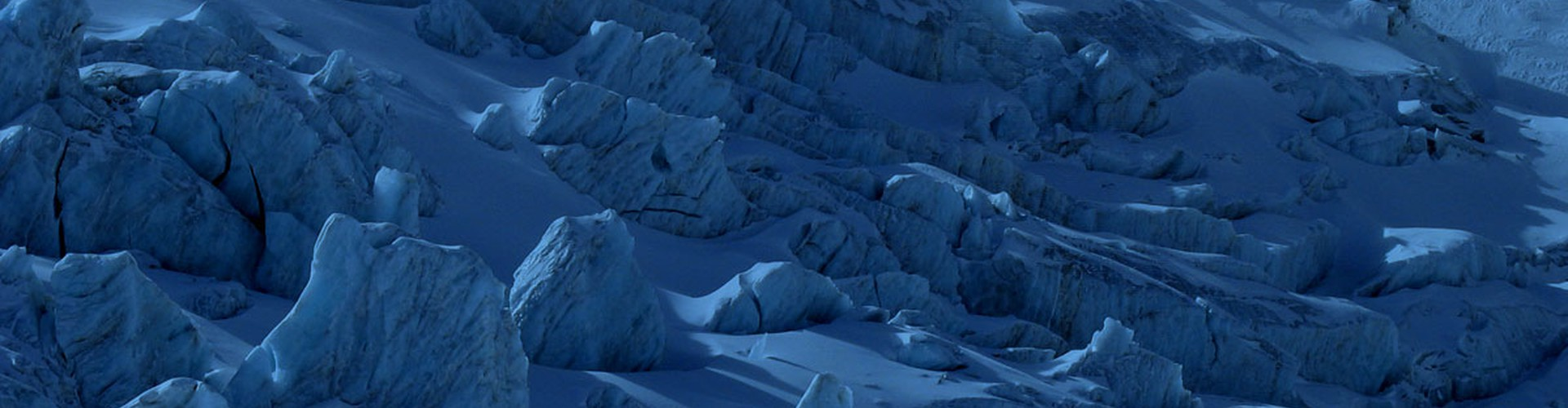 Bluesy glacier (Credit: Velio Coviello, distributed via imaggeo.egu.eu)
