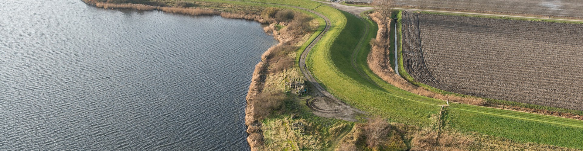 Aerial view of a seawall in the Netherlands protecting farmland that is below sea level. (Credit: Rijkswaterstaat, Ministry of Infrastructure and the Environment, the Netherlands)