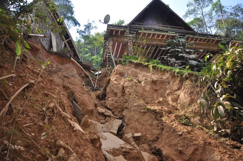 2013 landslides and debris flows in Brazil (Credit: Michele Calvello via Imaggeo)