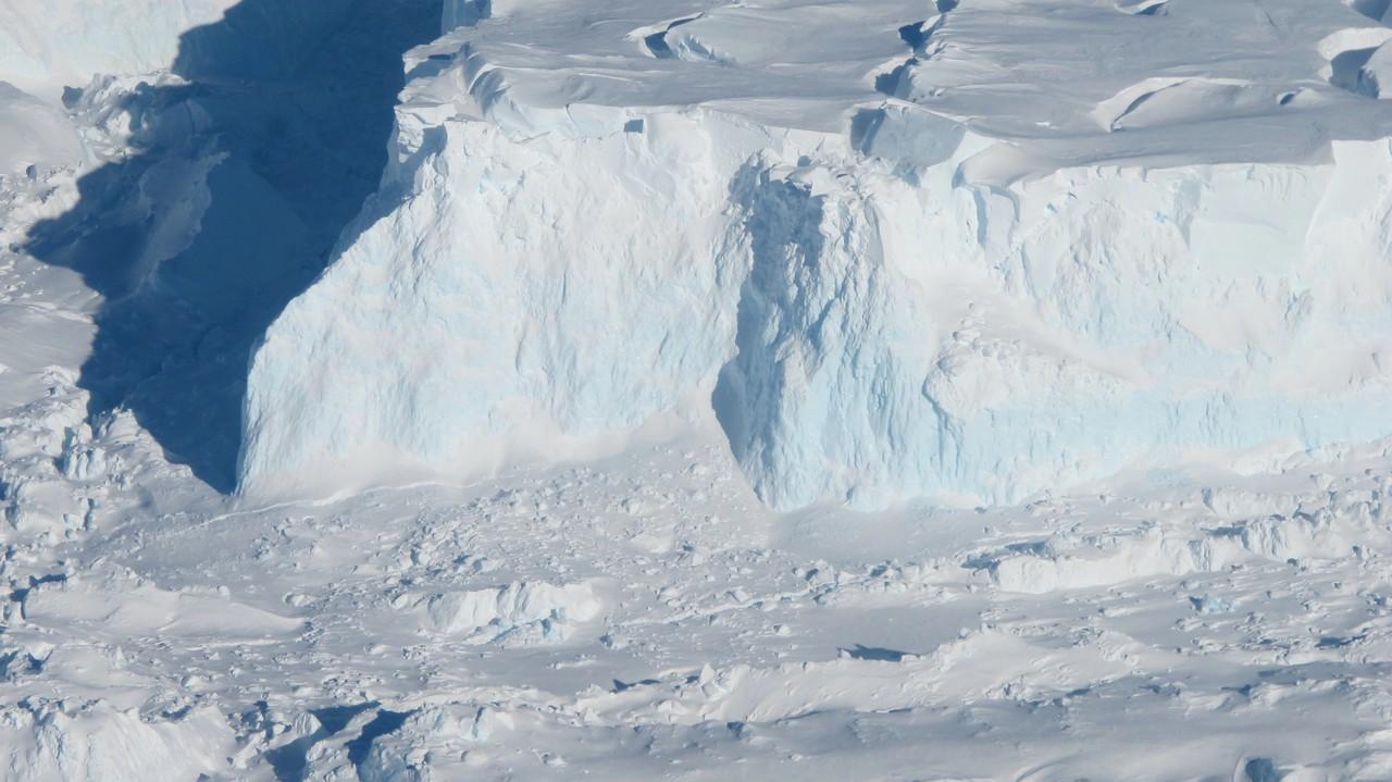 Thwaites Glacier (Credit: NASA/James Yungel)