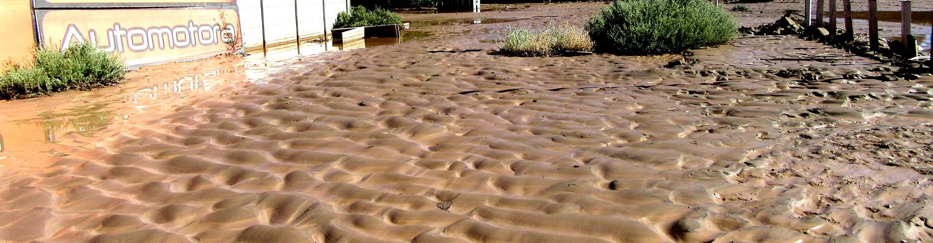 Catastrophic floods in the Atacama Desert (Credit: Manu Abad via Imaggeo)